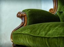 Poltrona a trono in velluto verde