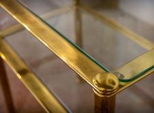 Tavolino in ottone con vetro