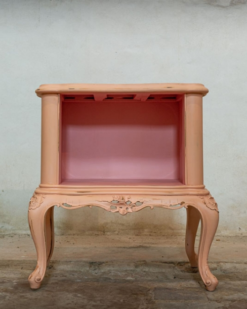 Comodino rosa cipria