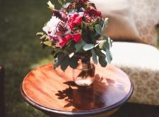 Poltrona in legno tessuto fiorito