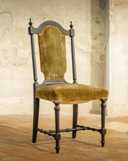 Sedia a trono in velluto verde